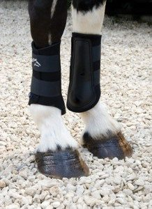 neoprene-brushing-boots-O726263